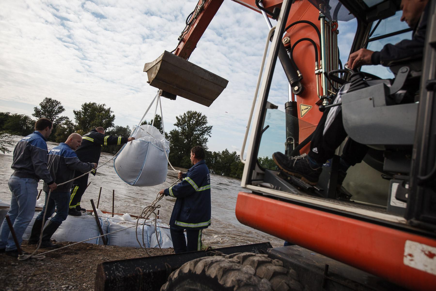FloodsInSlovenia2010-photoLukaDakskobler-014