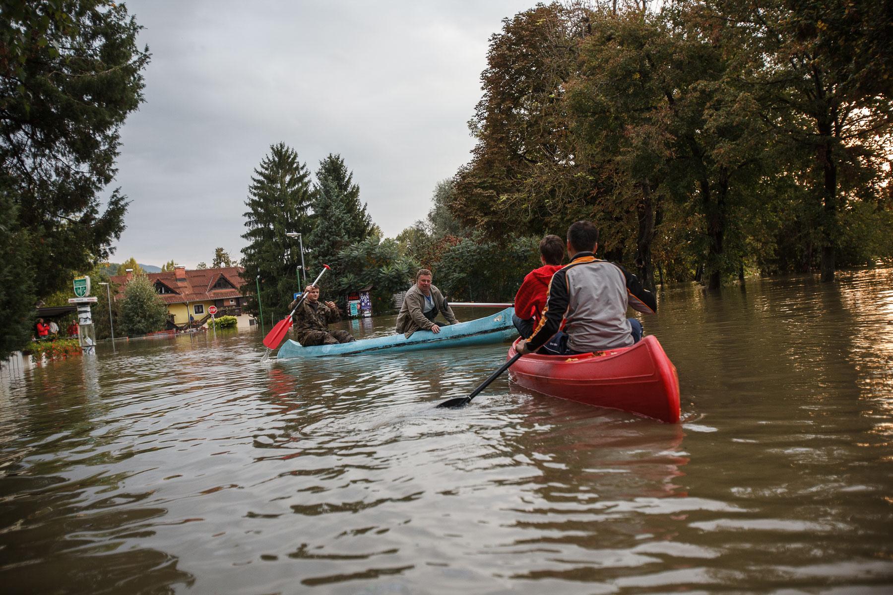 FloodsInSlovenia2010-photoLukaDakskobler-019