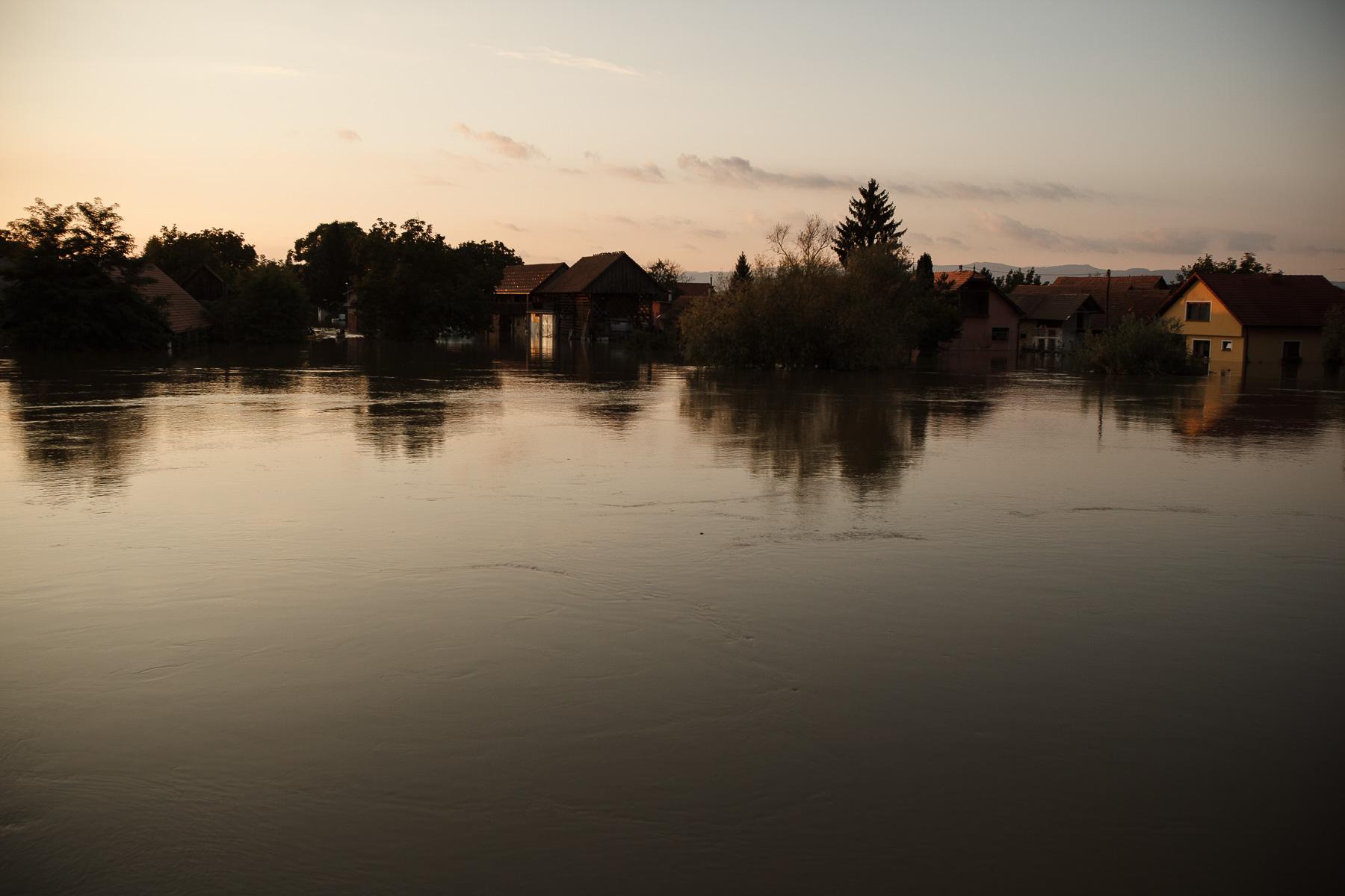 FloodsInSlovenia2010-photoLukaDakskobler-023