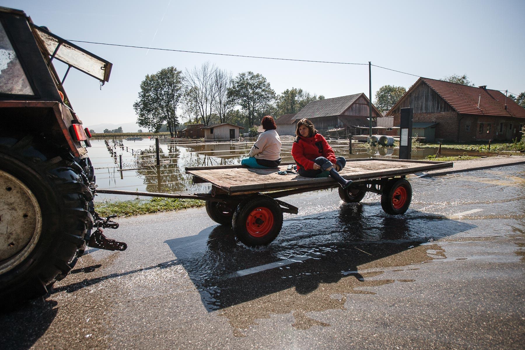 FloodsInSlovenia2010-photoLukaDakskobler-033
