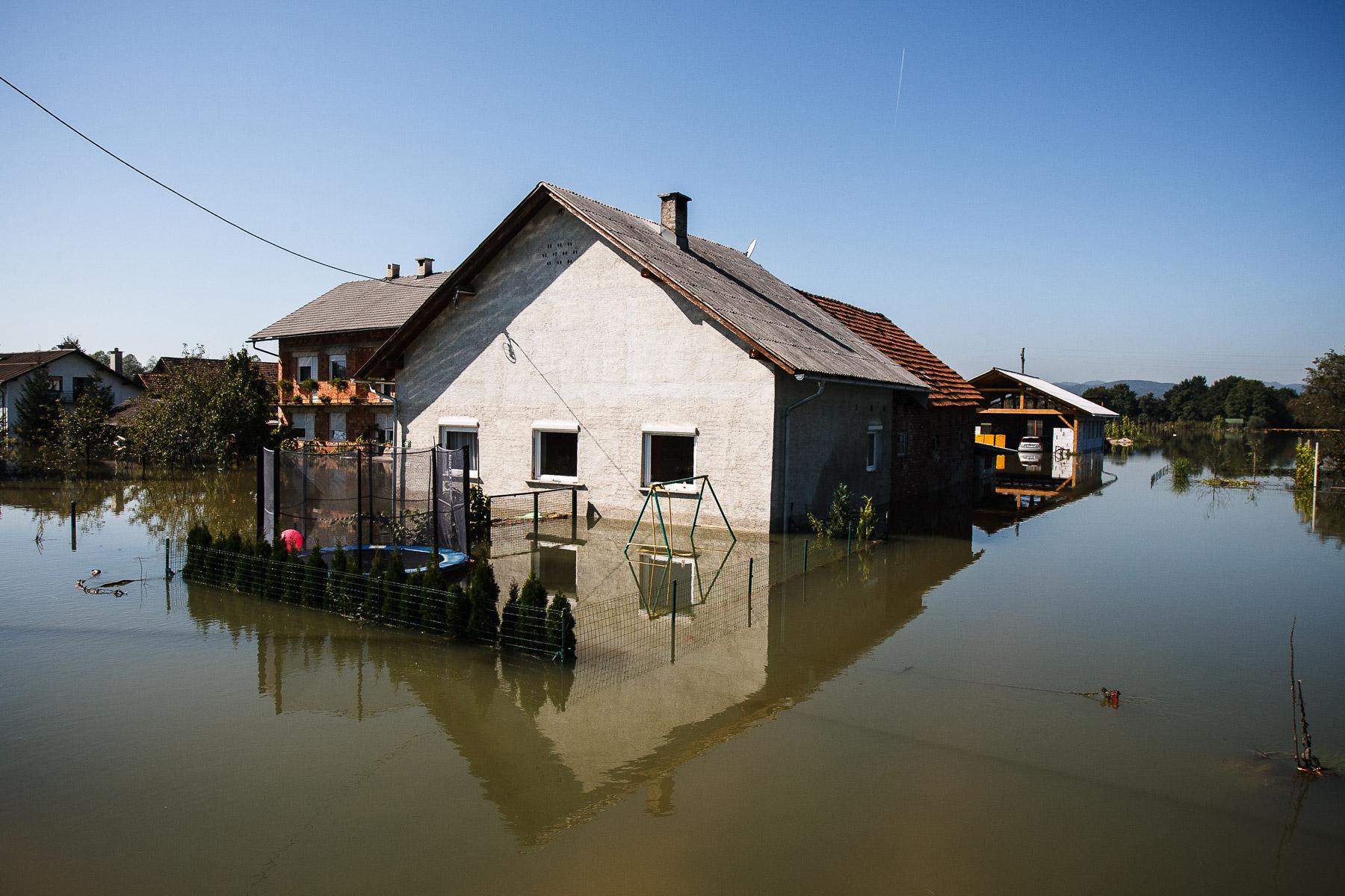 FloodsInSlovenia2010-photoLukaDakskobler-038