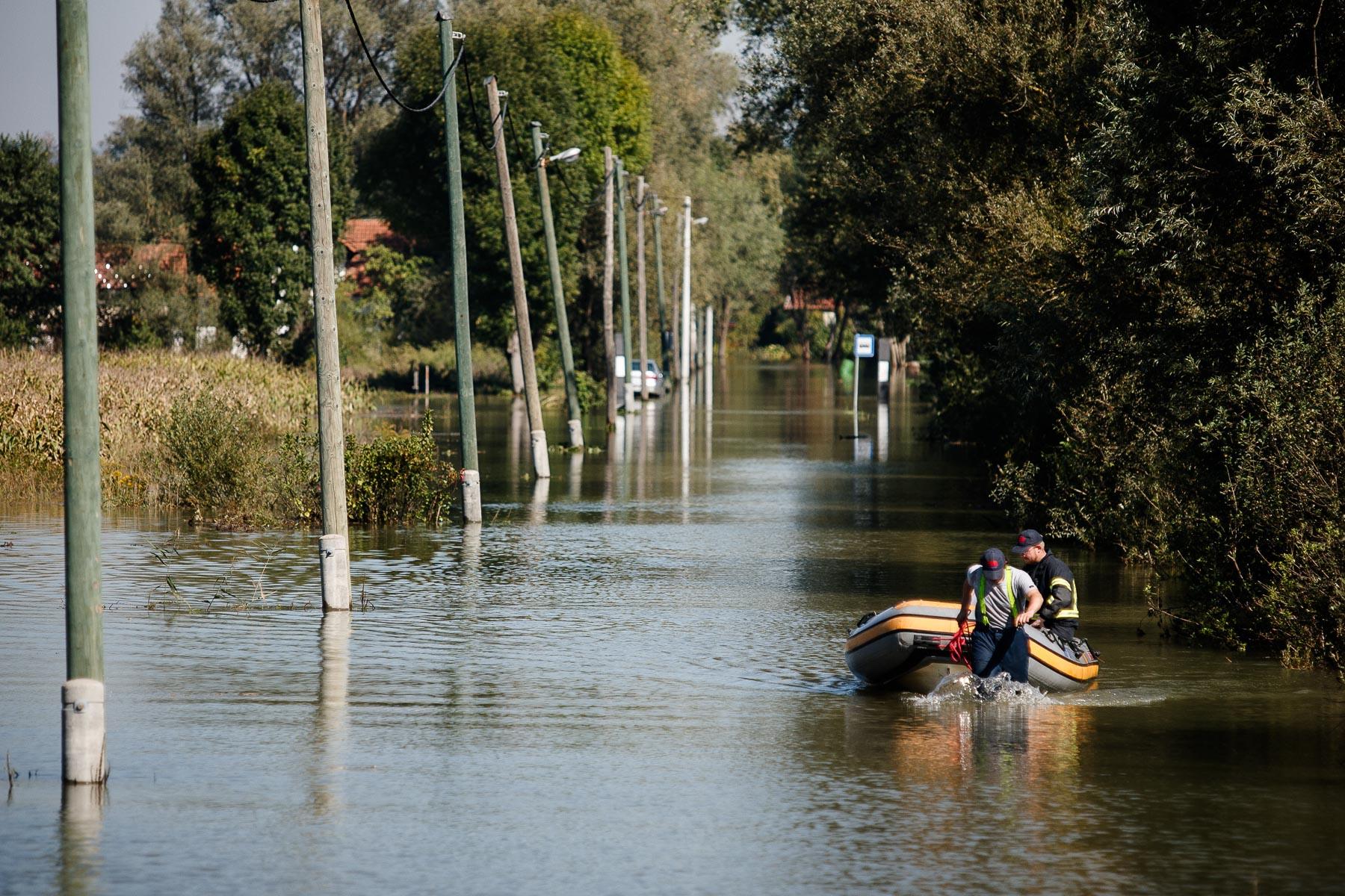 FloodsInSlovenia2010-photoLukaDakskobler-043
