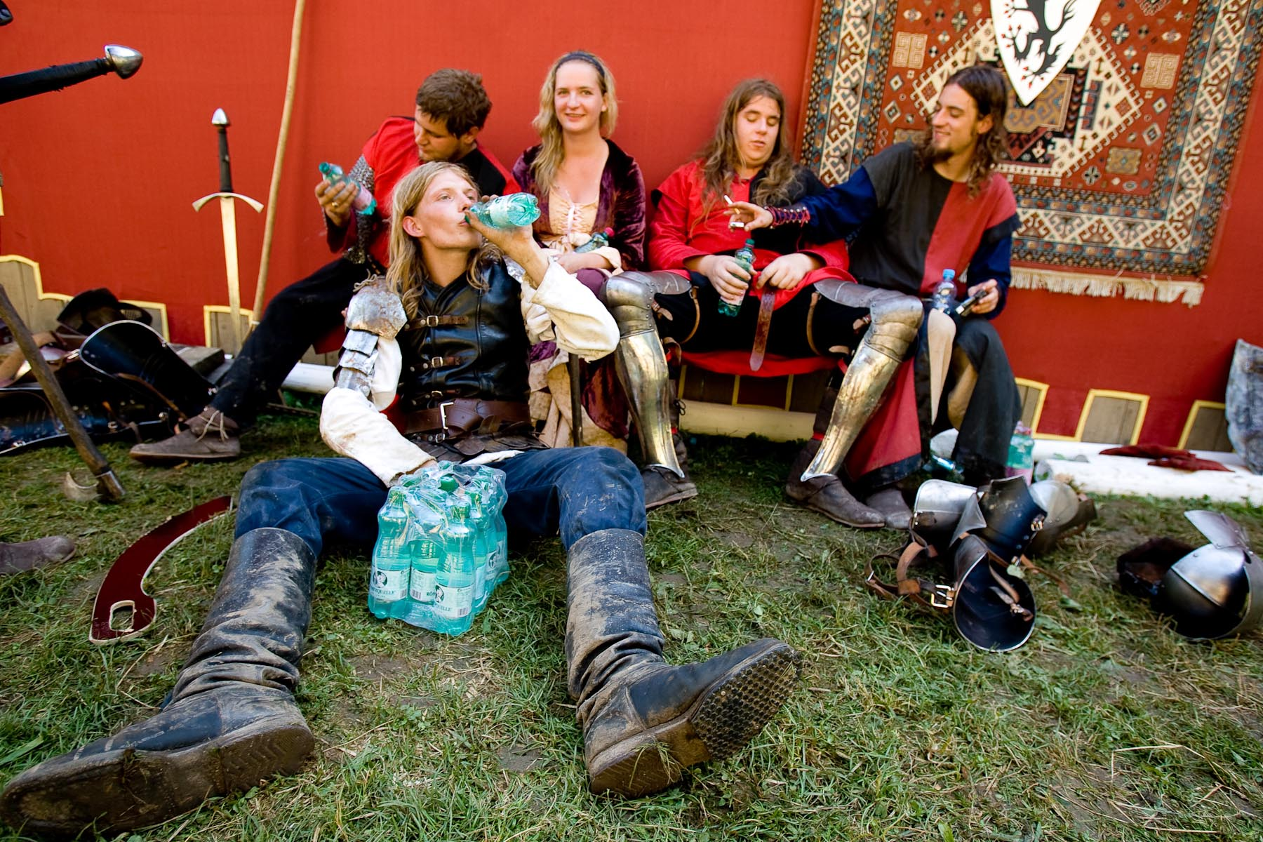 Most Medieval events take place during summer when it is very hot, especially under the outfits. After the show in Predjama that takes place in July the knights are exhausted.