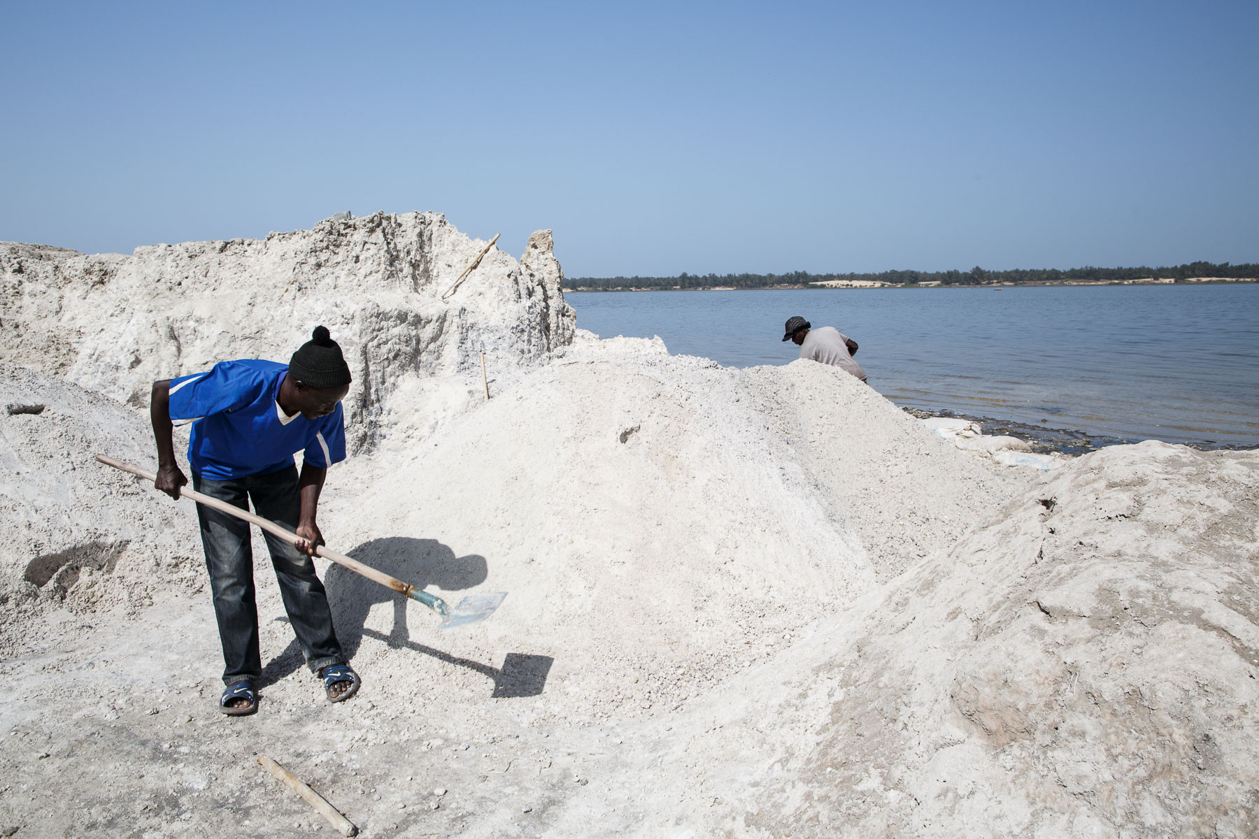 Salt gatherers, Lake Retba