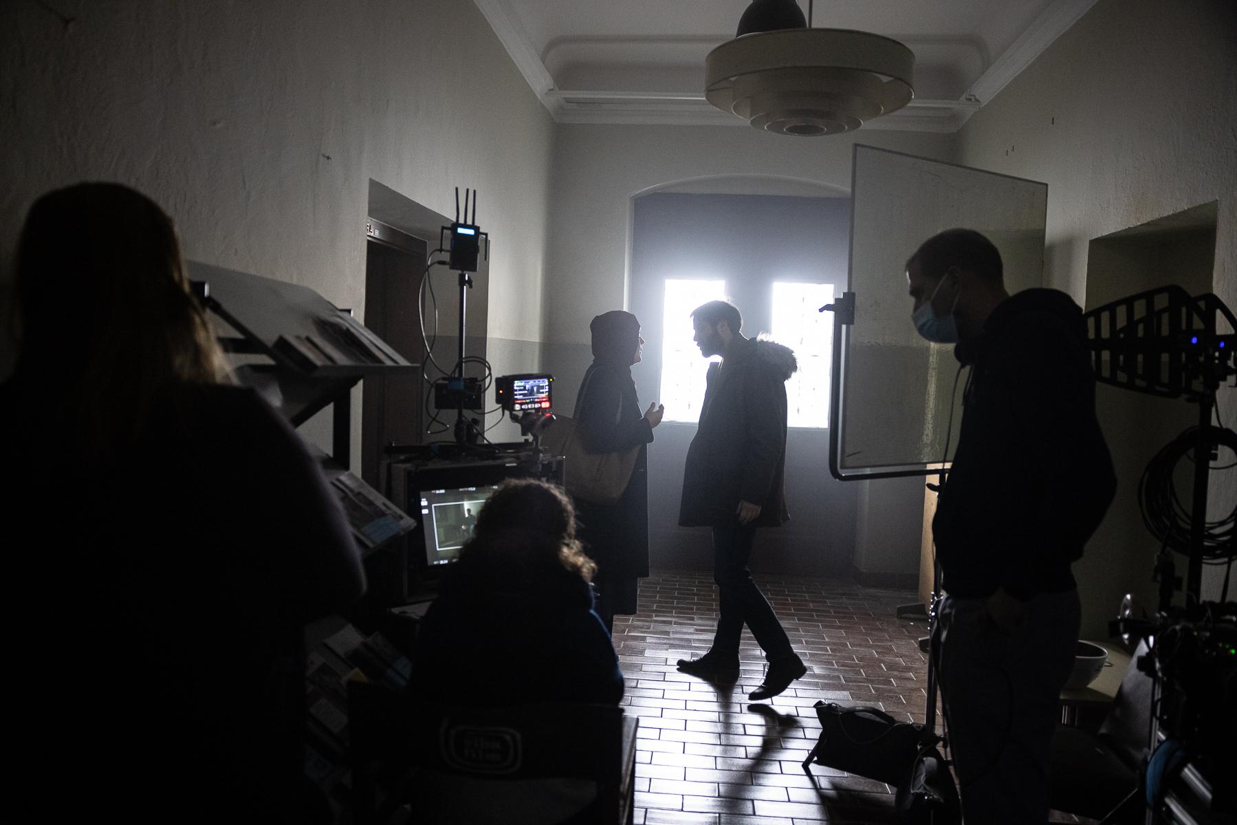 Actors Benjamin Krnetić and Tamara Avguštin, and director Marko Šantić (R) on the set of Wake Me.