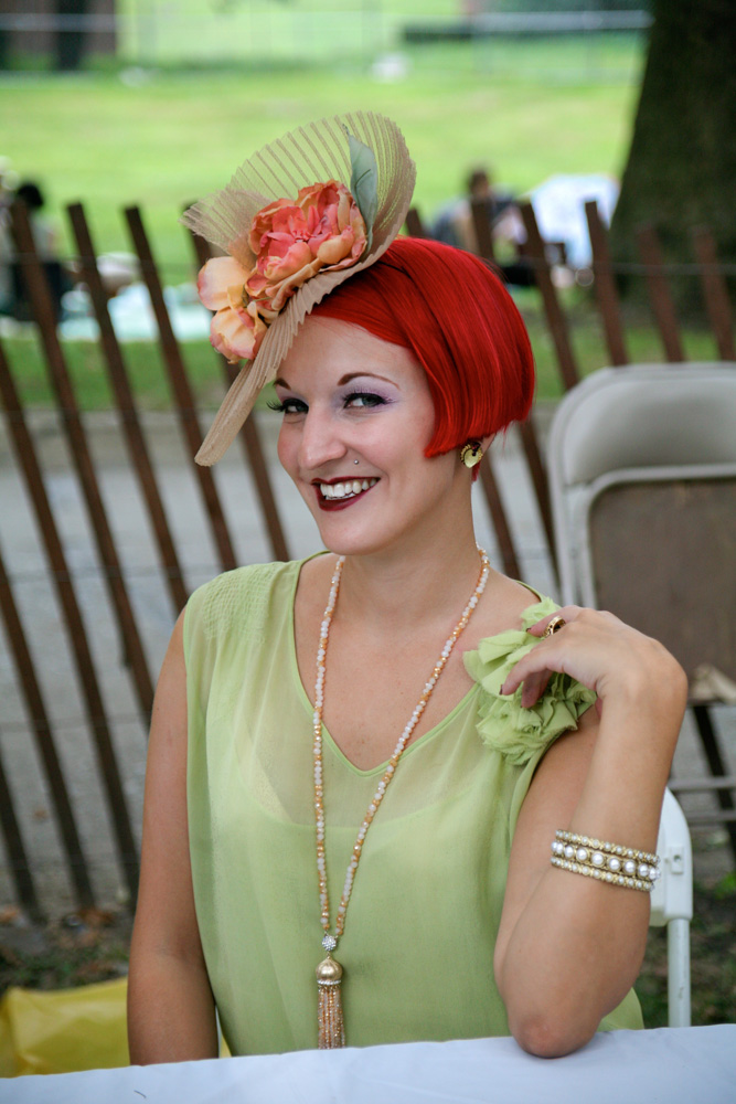 JAZZ-AGE-RED