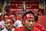Hopone: NLD supporters sit in front of the stage as Aung San Suu Kyi speaks during an early election campaign visit to Shan state.Paula Bronsteinfor Der Spiegel / Getty Images Reportage