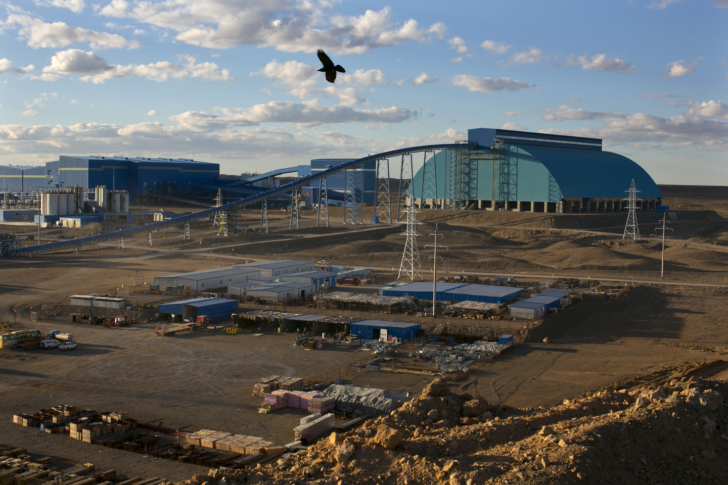 oyutolgoi_website01