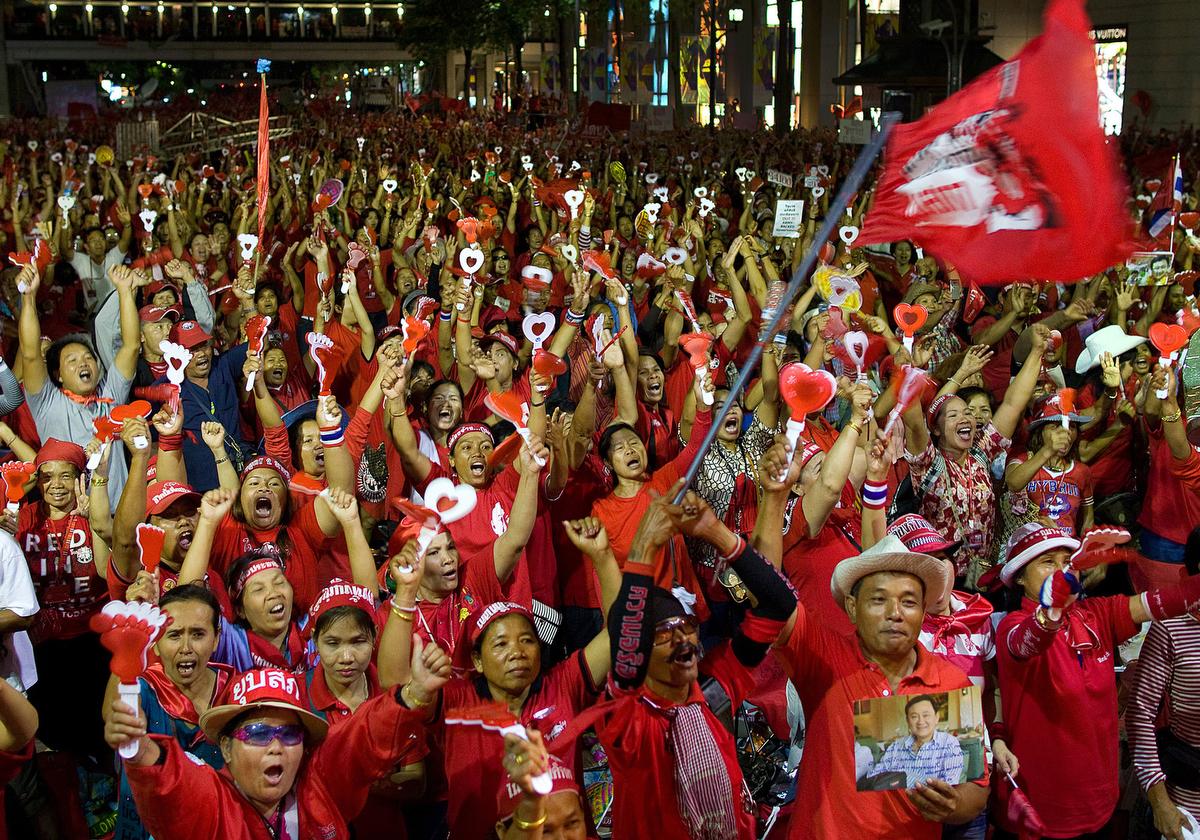 redshirts_website25
