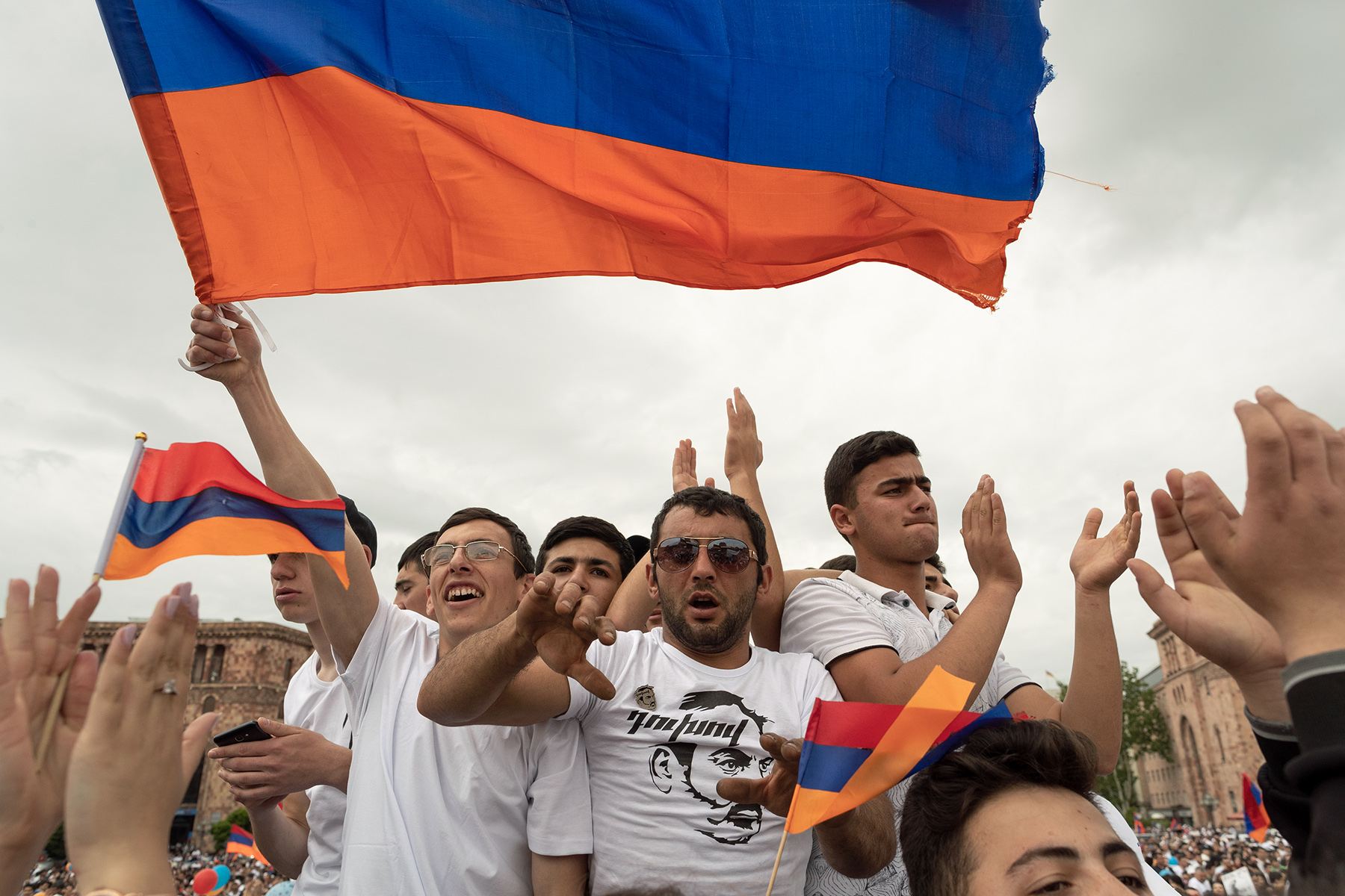 Young Armenians support Nikol Pashinyan as new Prime minister on the Republic square during the second parliamentary vote in Yerevan on May 8, 2018