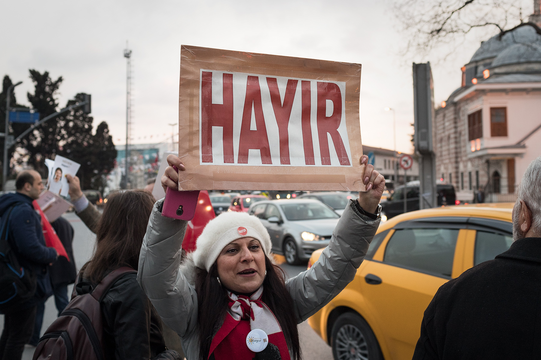 A woman campaigns for the Turkish referendum to say 'no' (hayir) on constitutional changes despite the electoral truce in Istanbul, Turkey on April 12, 2017.