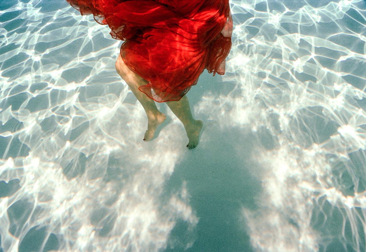 Girl in Red Dress ll, NIN