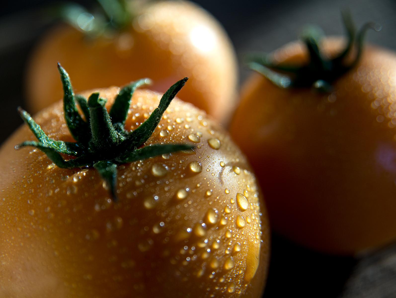 Yellow Tomato-Carl Kravats Food Photography