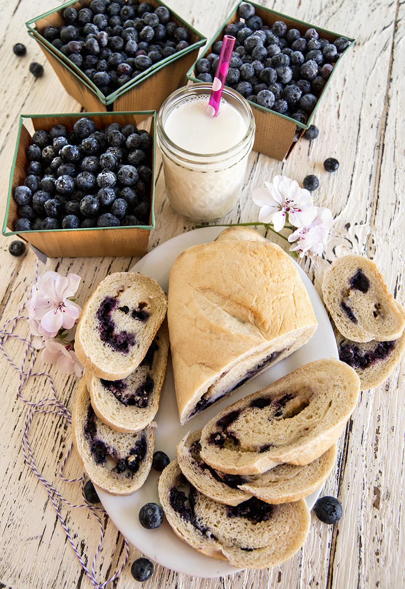 Blueberry-bread