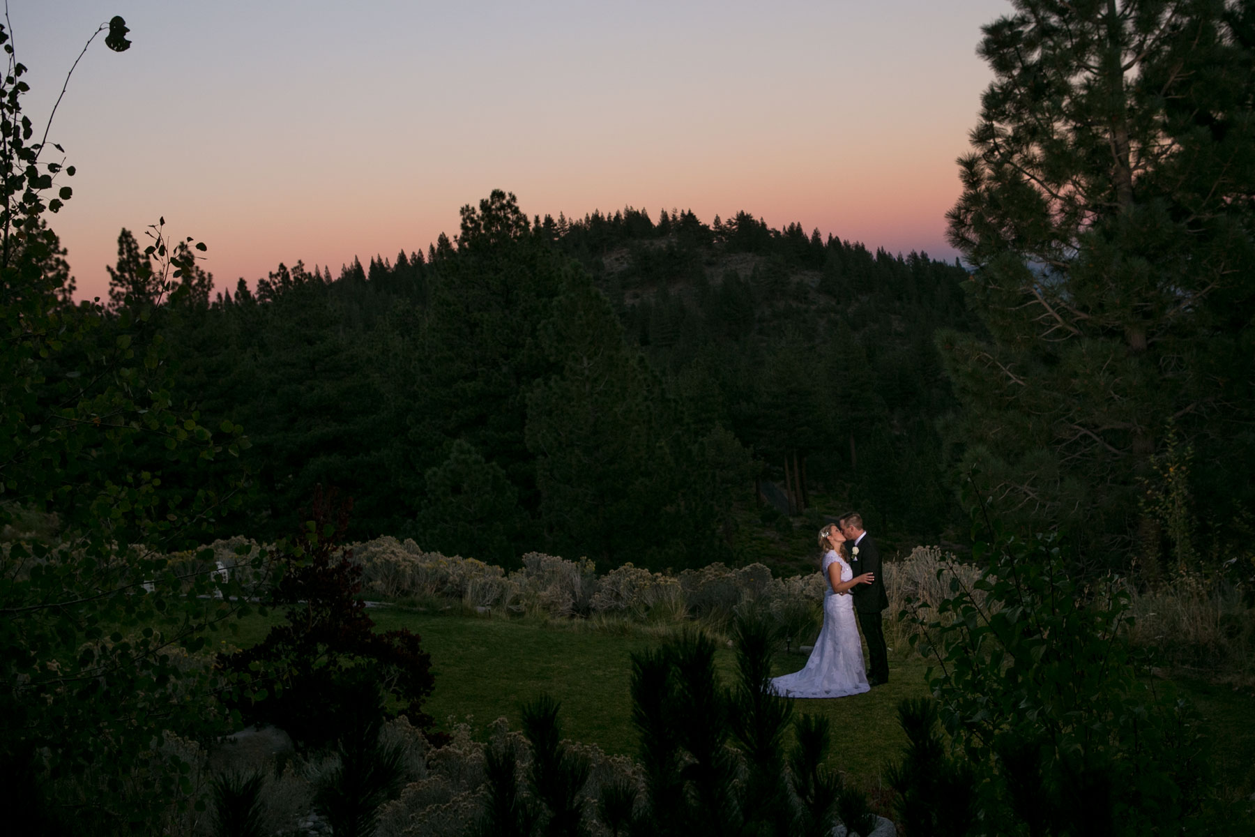 Lake-tahoe-weddings-bride-groom-13