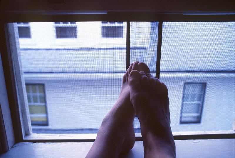 attic_feet