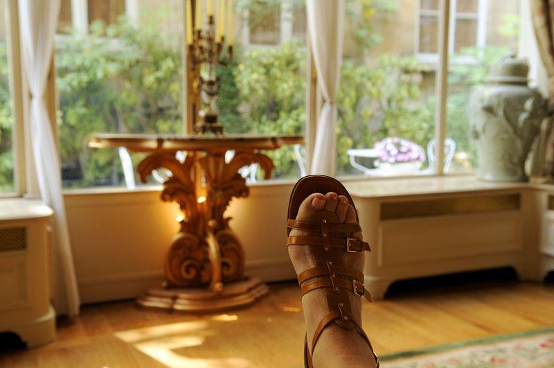 feetParis
