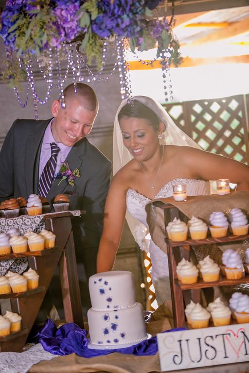 Floral chandelier &  handpainted cake