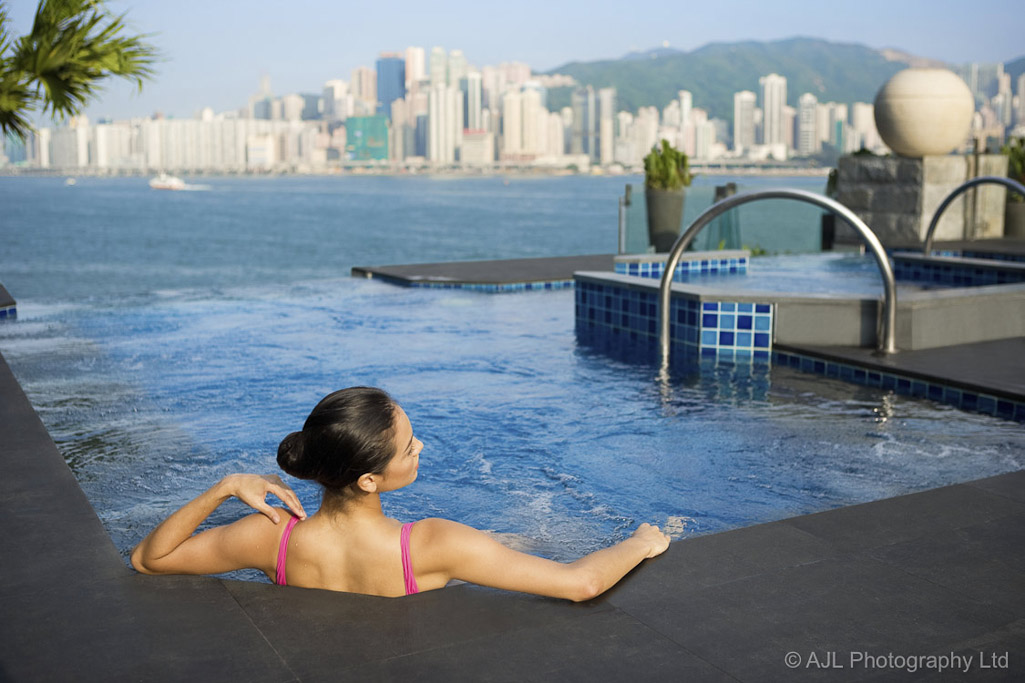 0812-InterContinental_HK_advertorial_new_spa_pool_images01