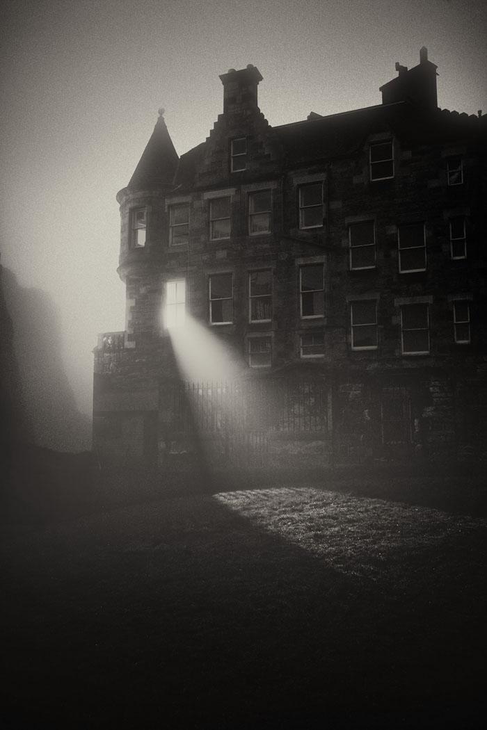 Greyfriars graveyard in darkness
