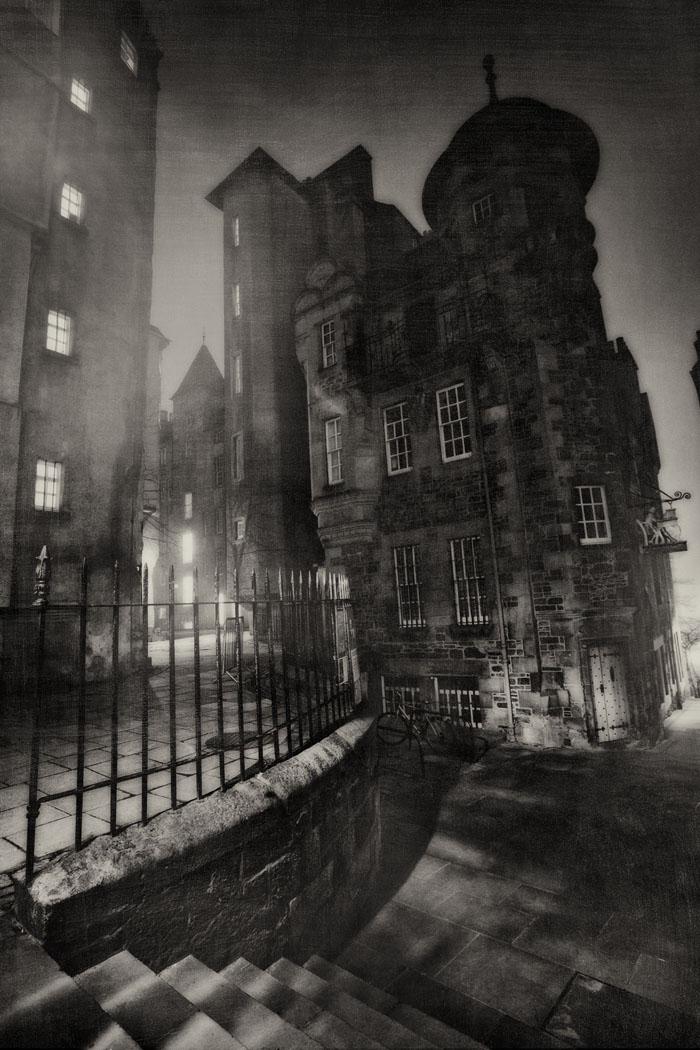 James Court, one of Edinburgh's famous closes.