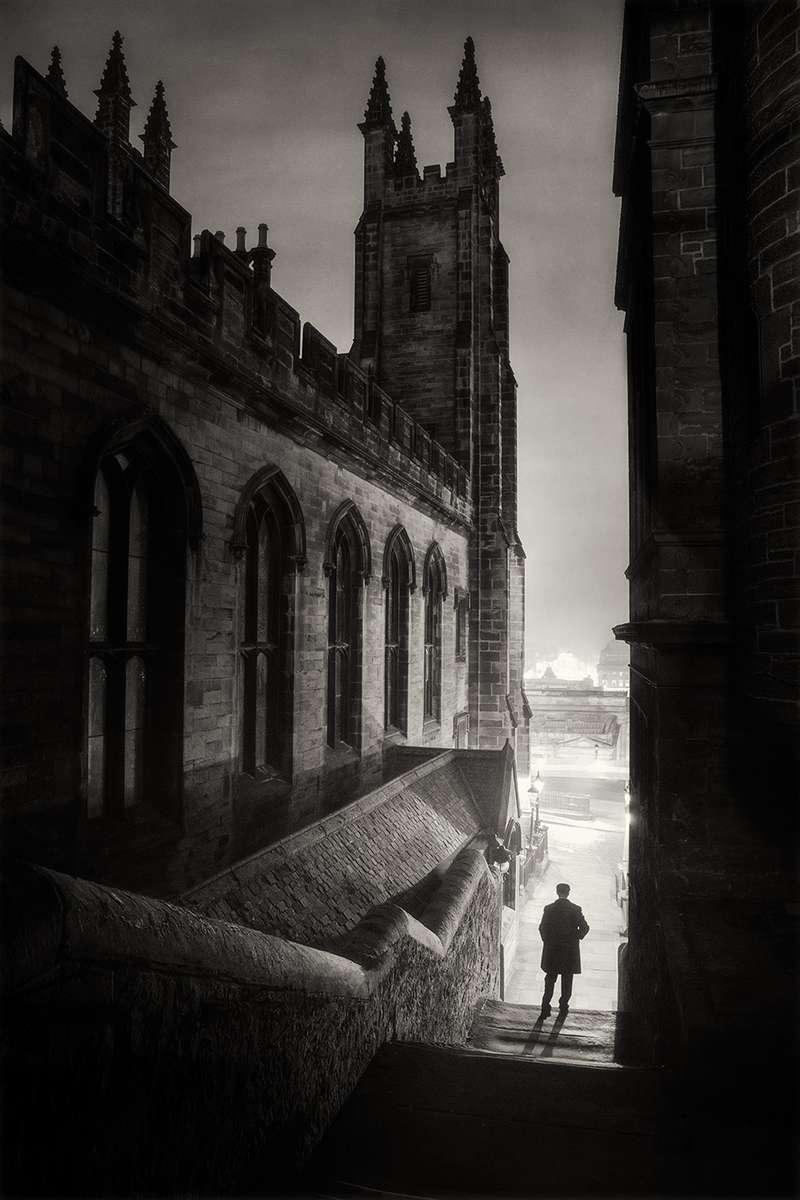 Edinburgh Dead of Night - Milne's court steps