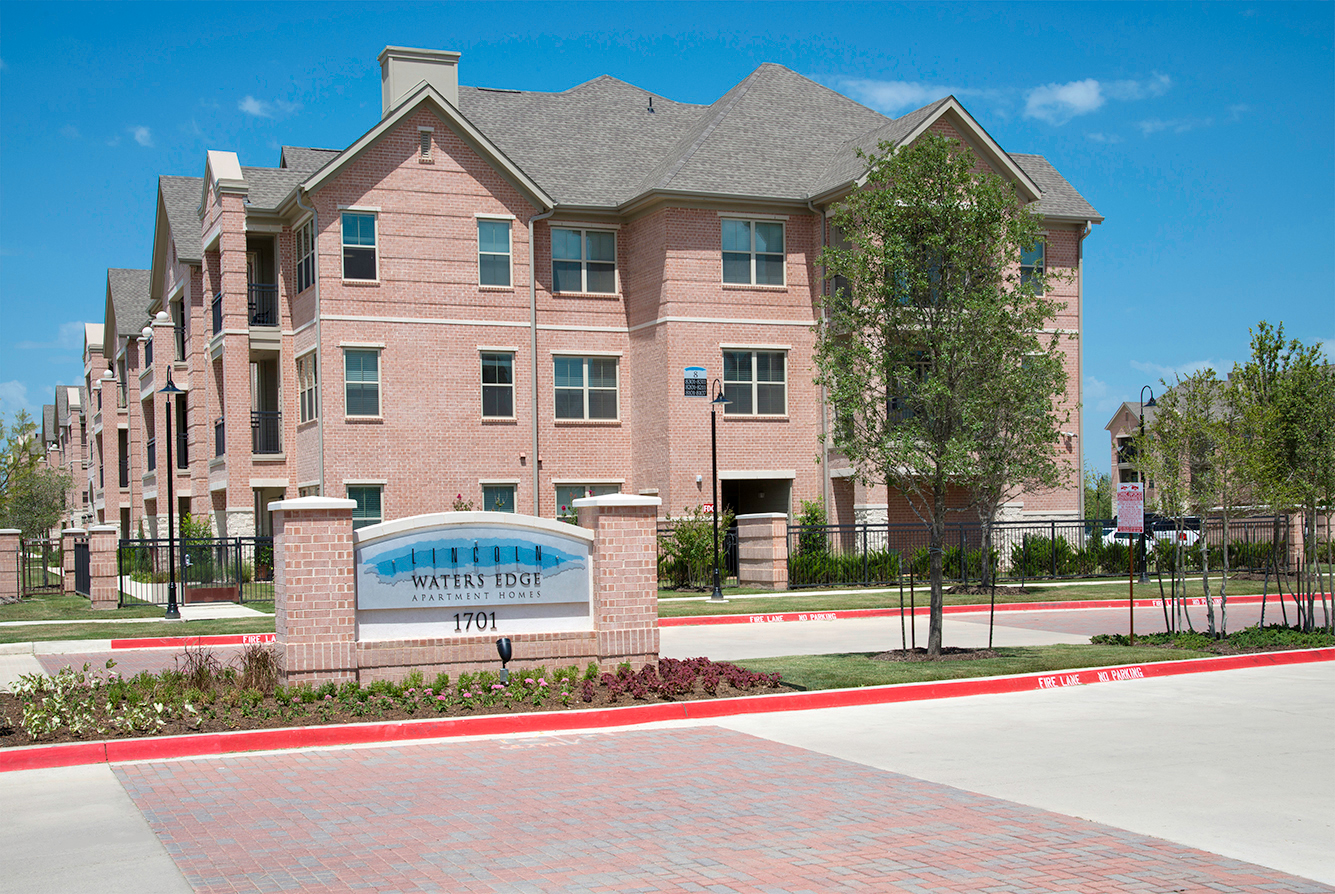 Lincoln-Waters-Edge-11-