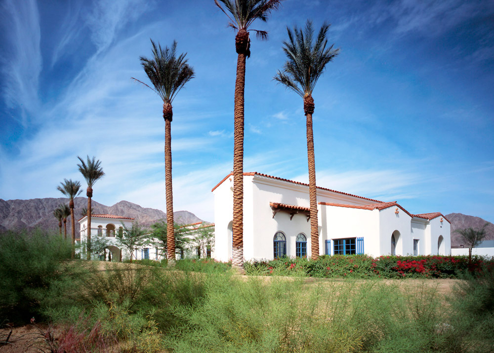 Palm-Springs-Home-With-Mountain-View-California