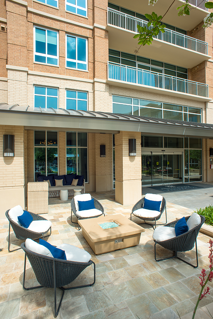 Relaxing-Area-The-Preston-Preston-Hollow-Apartments-Dallas