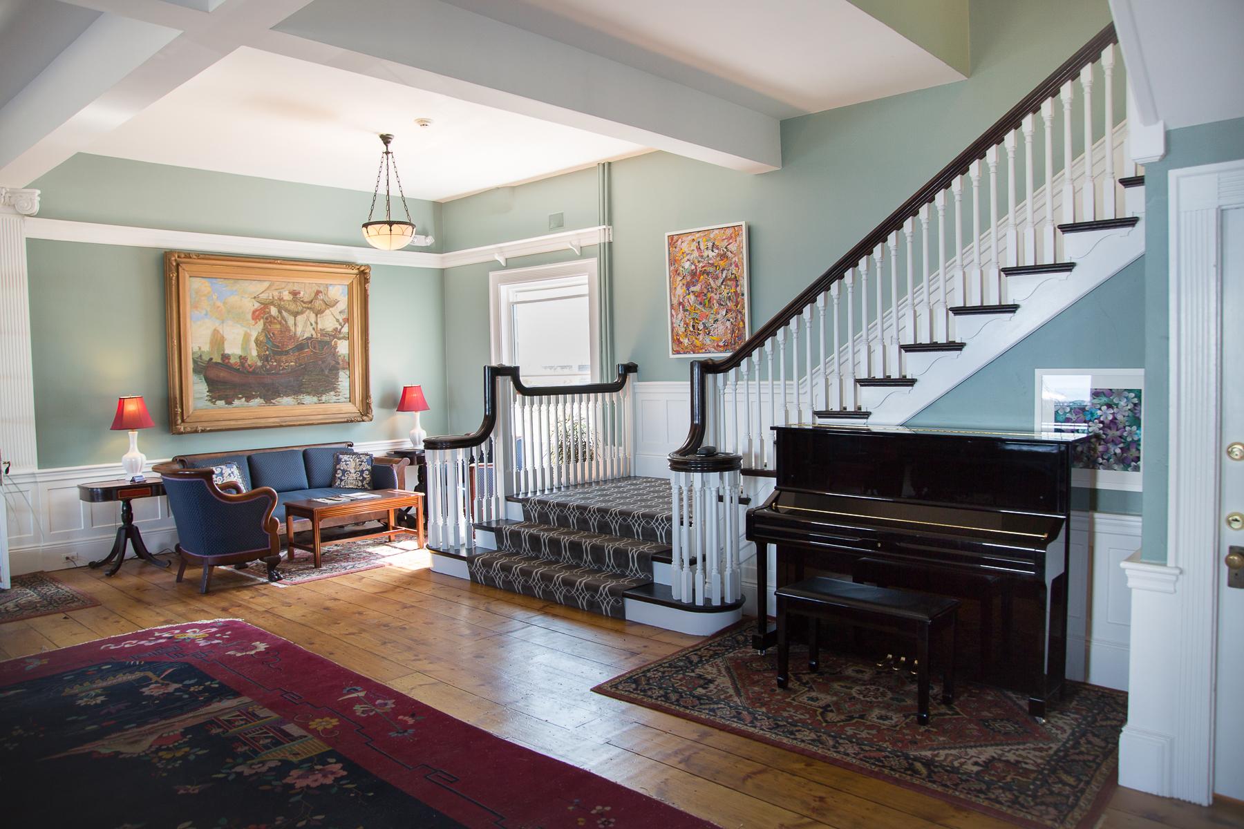 restaurant-interiors-Massachusetts-_6-of-21_