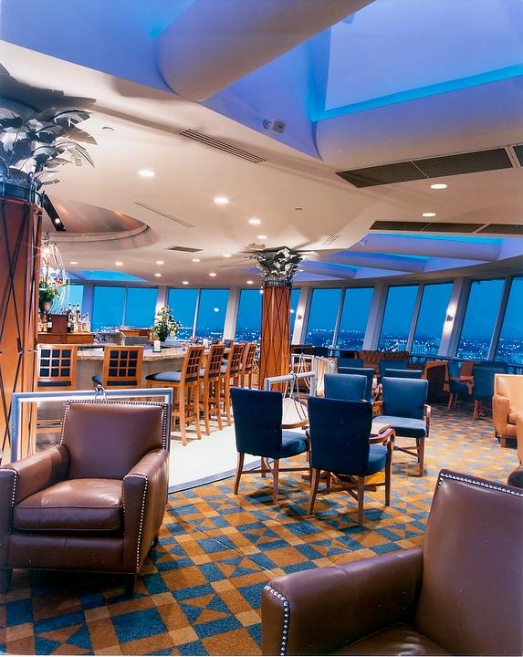 Hyatt_Regency_Pier_66-PierTop_Lounge