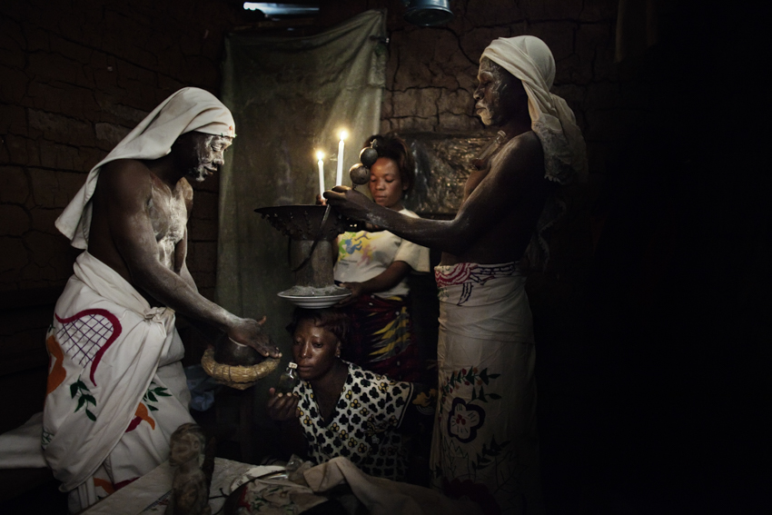Africa, Democratic Republic of Congo; North Kivu; Goma. 08/02/2009. Wafumo (witchdoctor- in swahili language) are seen during a magic ritual.