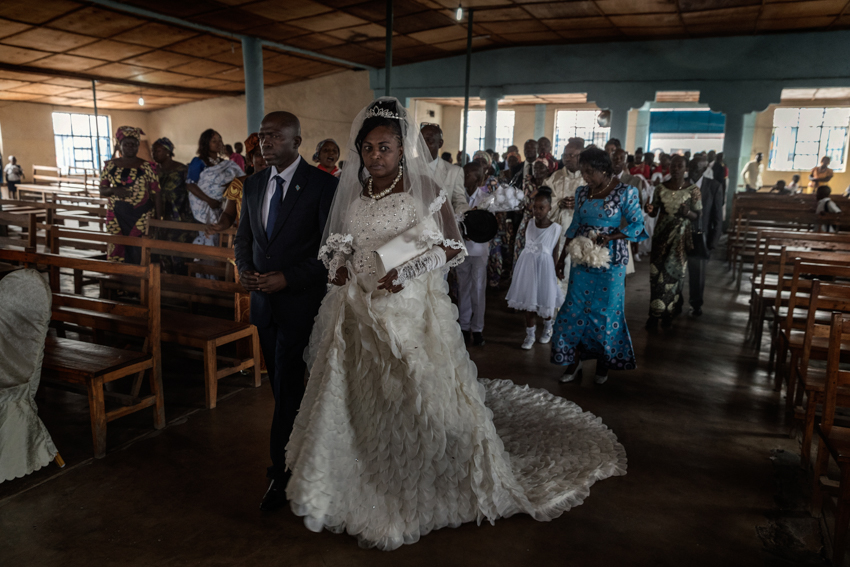Africa, Democratic Republic of Congo, North Kivu, Goma. 28/01/2017. A marriage at the Paroisse St. Francois Xavier. In the Congo, once a woman has been a victim of sexual abuse, she is abandoned by her husband and cut off from society. In many cases, these victims of violence do not report the crime for fear of such social repercussions, and many women discover later that they have contracted venereal diseases, or that their rapist has left them pregnant.