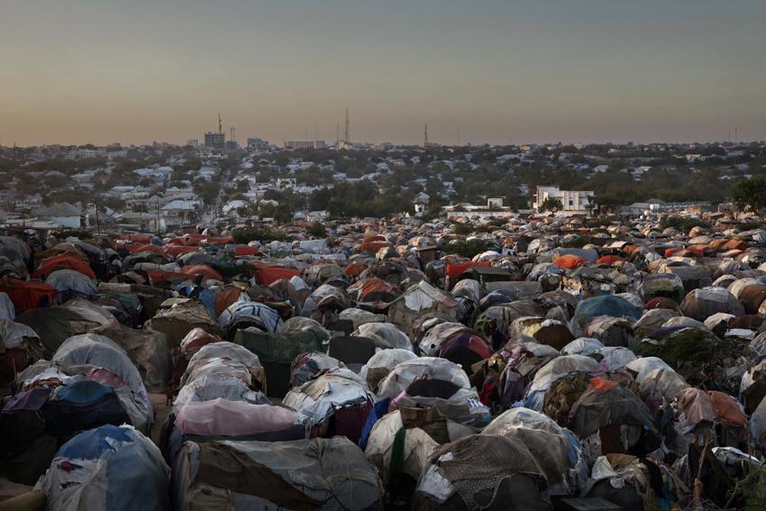 Africa, Somalia, Benadir region, Mogadishu. 23/03/2012.  A glimpse of Sayidka (or Beerta Darwiishta) refugee camp. One of the main camp in the central area of the capital.