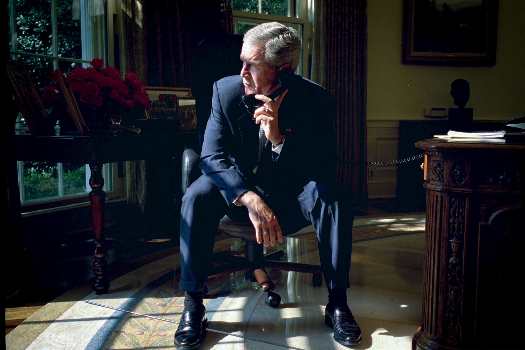 10:55 Pre-brief Oval Office. President Bush talks on the telephone with Sen. Richard Lugar regarding the Use of Force Resolution.