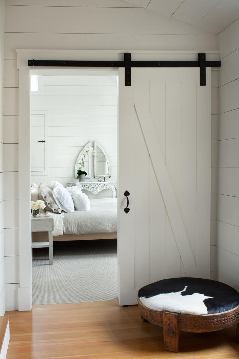 BDLC1014_BedroomDoor