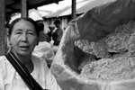 Myanmar-Inley-Lake-Market-Vendor-Photo-by-Cyril-Eberle-CEB_5360