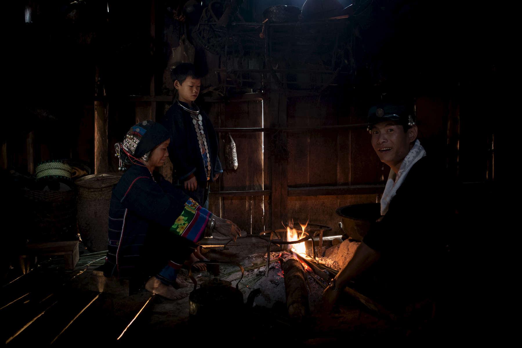 laos-ethnic-group-akha-kitchen-photo-by-cyril-eberle-CEB_6157