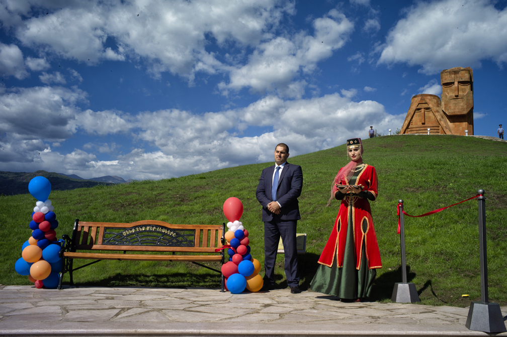 \{quote}In America, I felt so Armenian; yet in Armenia, I realized that I am in many ways an American.\{quote} -Aline Ohanesian- (born in Kuwait, now living in California) Papik and Tatik - Stepanakert, Nagorno-Karabakh