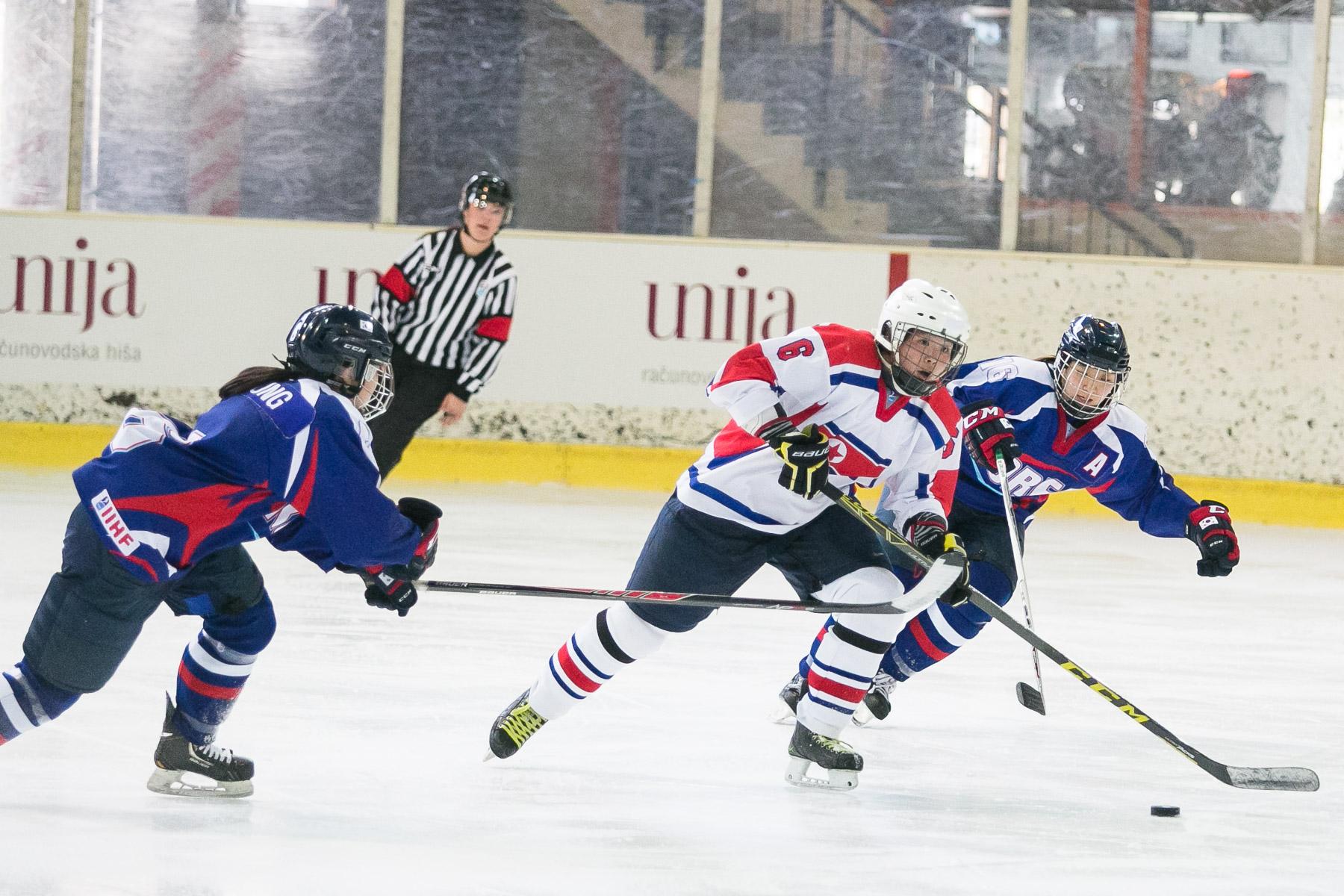 DPRKvsSouthKoreaWomenHockeyWC-photoLukaDakskobler-024