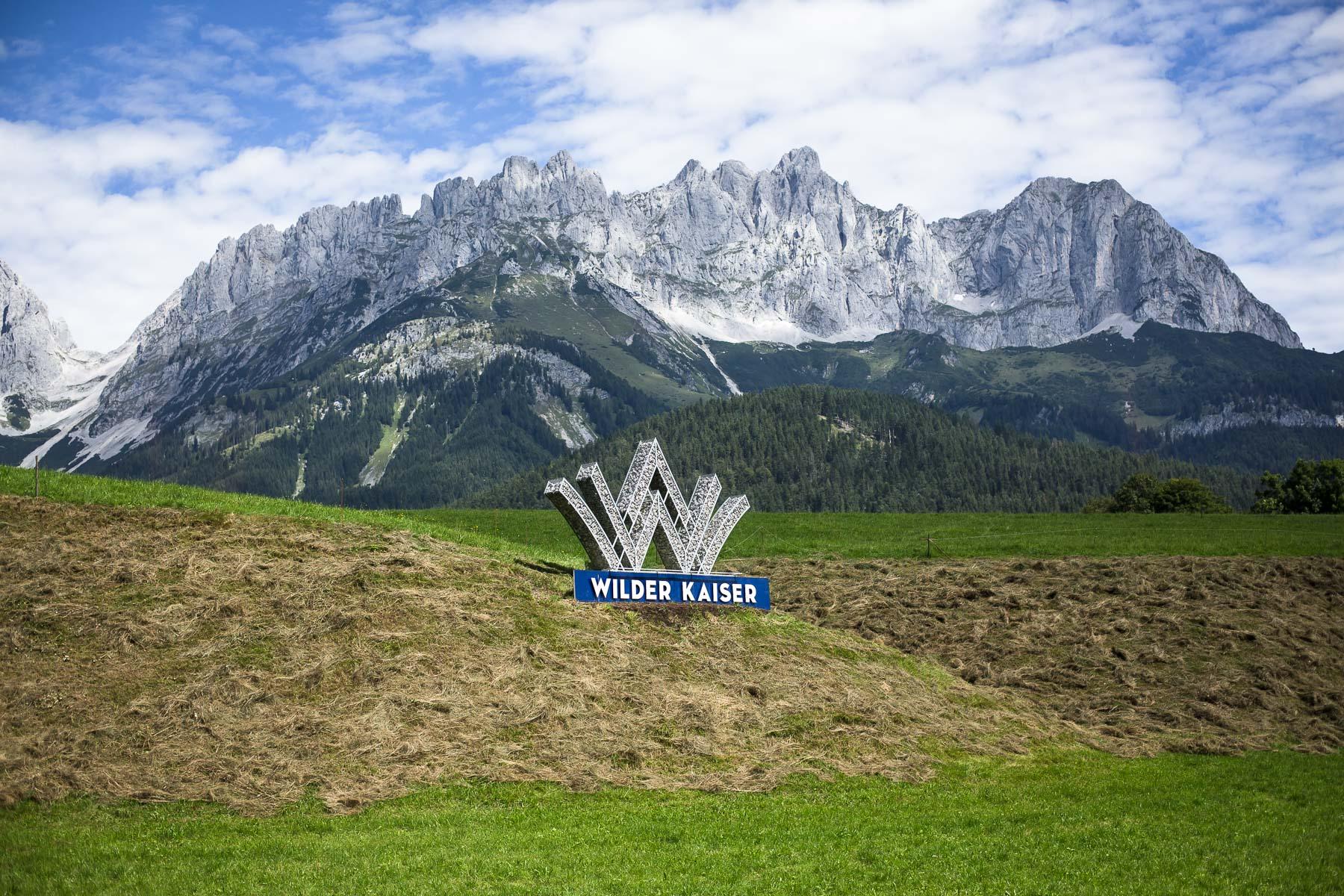 Pokrajina Wilder Kaiser, kjer snemajo priljubljeno serijo. // The region named Wilder Kaiser where the famous drama series is filmed.
