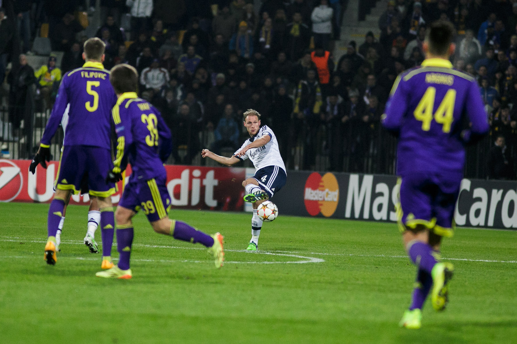 Marvin Friedrich of FC Schalke 04 in action during the UEFA Champions League Group G match against NK Maribor on December 10 in Maribor, Slovenia.