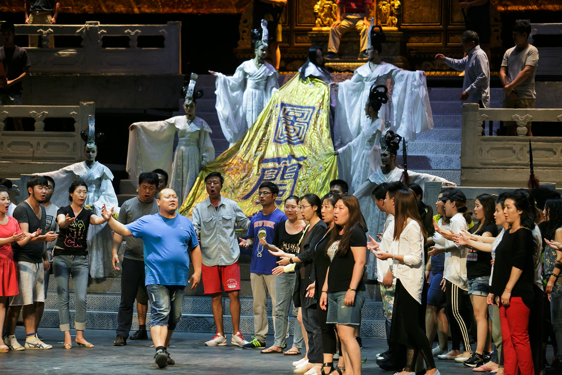 The cast rehearses their roles during the second rehearsal of China National Opera House production of Giacomo Puccini\'s Turandot in Cankarjev dom Cultural & Congress center in Ljubljana, Slovenia, Aug. 31, 2015.