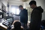 Režiser Marko Šantić in glavni igralec Jure Henigman na snemanju filma Zbudi me.---------------------------------------------------Director Marko Šantić and lead actor Jure Henigman on the set of Wake Me.