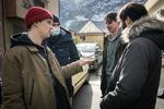 Timon Šturbej režiserju Marku Šantiću, Juretu Henigmanu in Benjaminu Krnetiću na snemanju filma Zbudi me kaže umetno rano.-----------------------------------------------------Actor Timon Šturbej showing special effects makeup to director Marko Šantić and actors Jure Henigman and Benjamin Krnetić on the set of Wake Me.