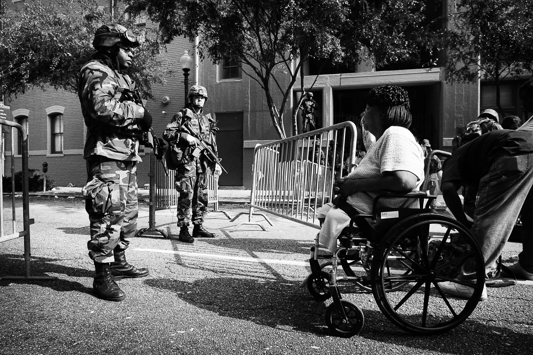Evacuation du \{quote}comference center\{quote} de la Nouvelle OrlÈans+morts...