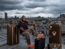 Sur les toîts de Louis Vuitton rue du Pont Neuf et dans son atelier de création, le nouveau créateur issu du {quote} street wear{quote} de la ligne de prêt à porter masculin Louis Vuitton , Virgil Abloh.