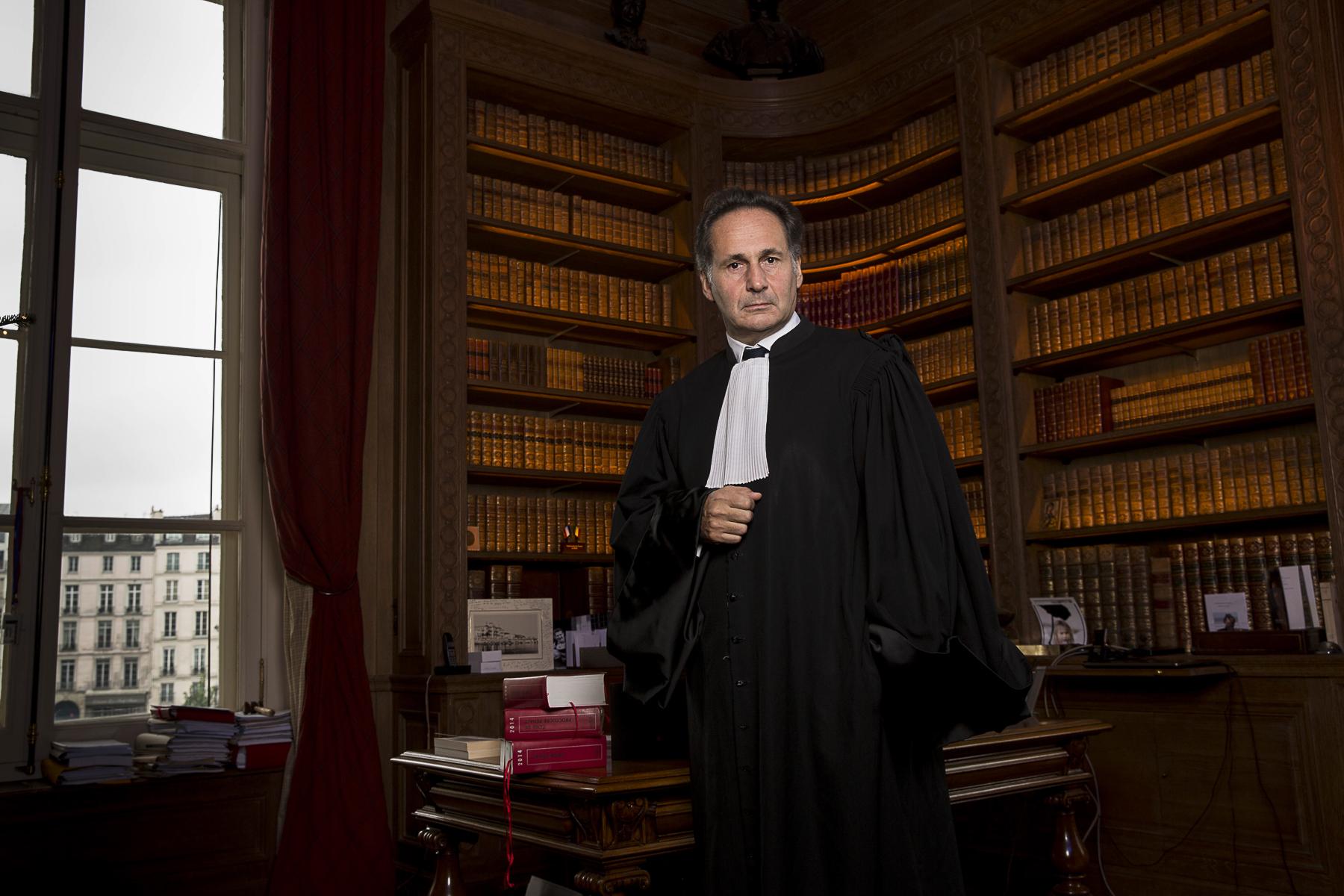 Paris décembre 2014. Le Batonnier de Paris Pierre-Olivier Sur à son bureau du Palais de Justice de Paris