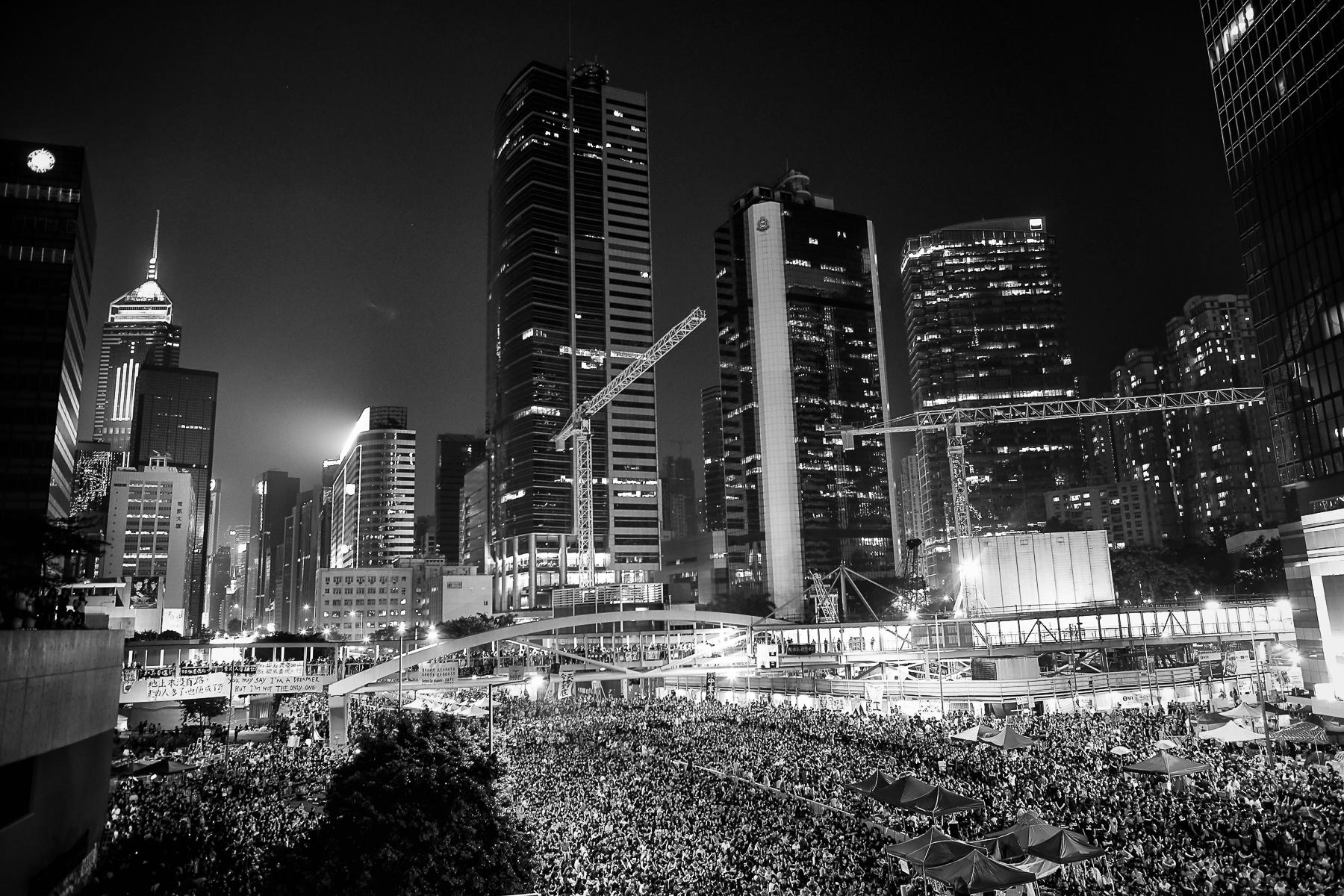 Quartier d\'Admiralty samedi 4 Octobre pendant la prise de parole de Joshua Wong, leader de la protestation étudiante anti Pékin.