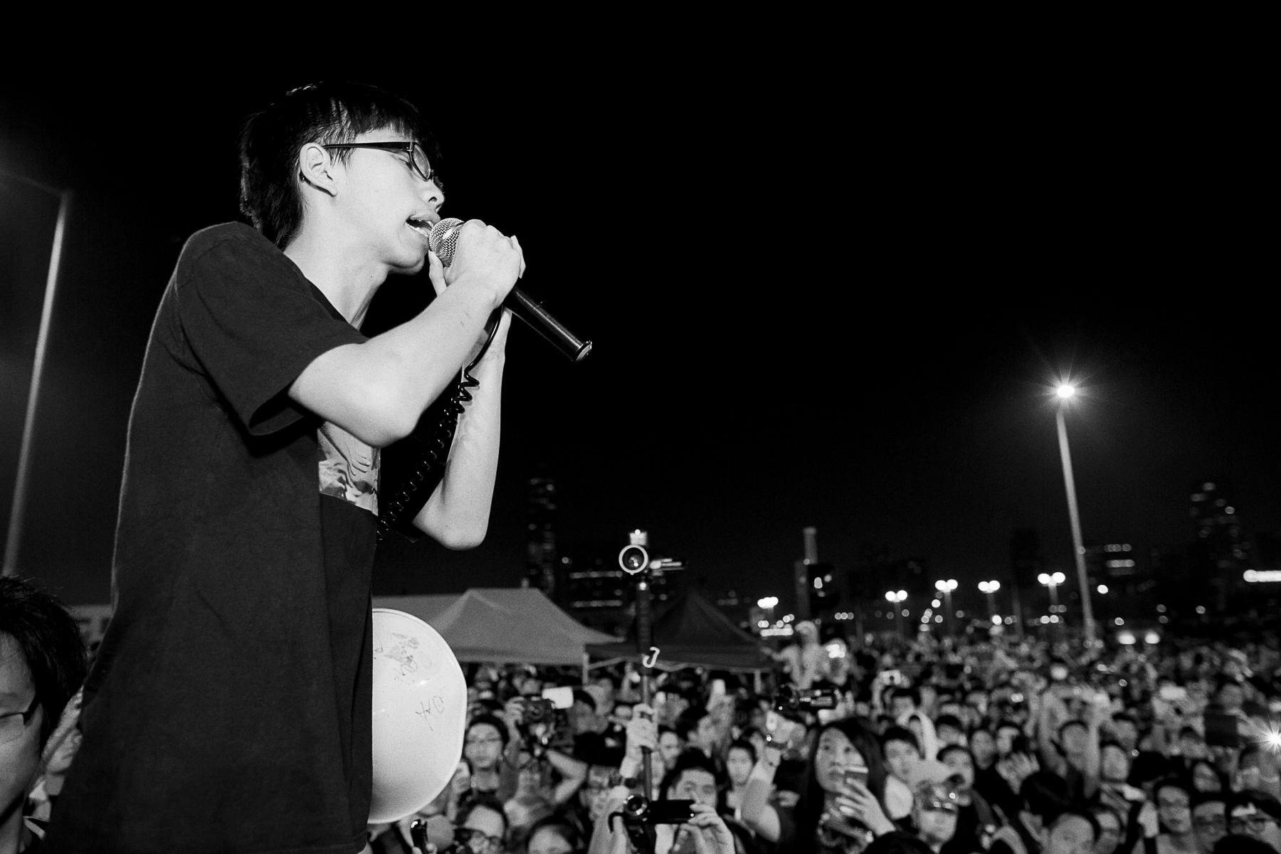 Manifestations pro-démocratique, le leader un étudiant de 17 ans Joshua Wong.Joshua Wong avec Lester Shum leader de la fédération des étudiants de Hong kong.Prise de parole de Joshua wong